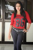 Hari Priya dazzling stills-thumbnail-1