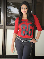 Hari Priya Dazzling photo shoot Gallery-cover-photo