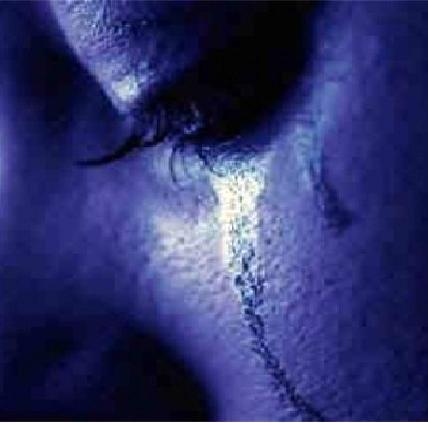 Já é comprovado que a tristeza, evento totalmente sentimental, causa