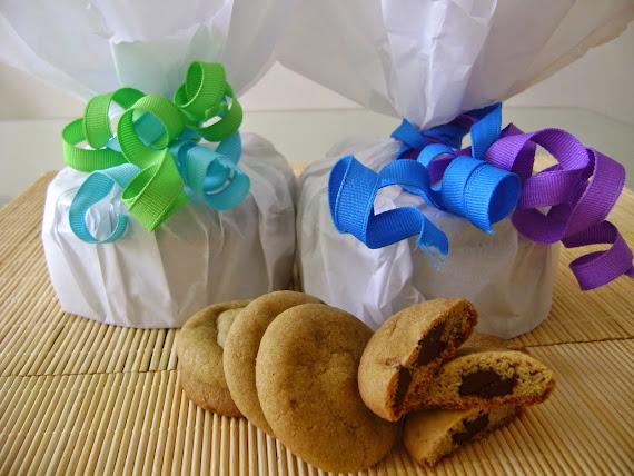 cookies recheados com gotas de chocolate