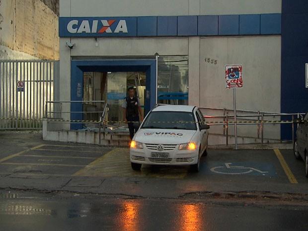 Criminosos conseguiram fugir após ação, em Salvador (Foto: Imagens/ Tv Bahia)