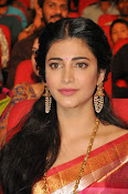 Shruti haasan new photos in saree-thumbnail-2