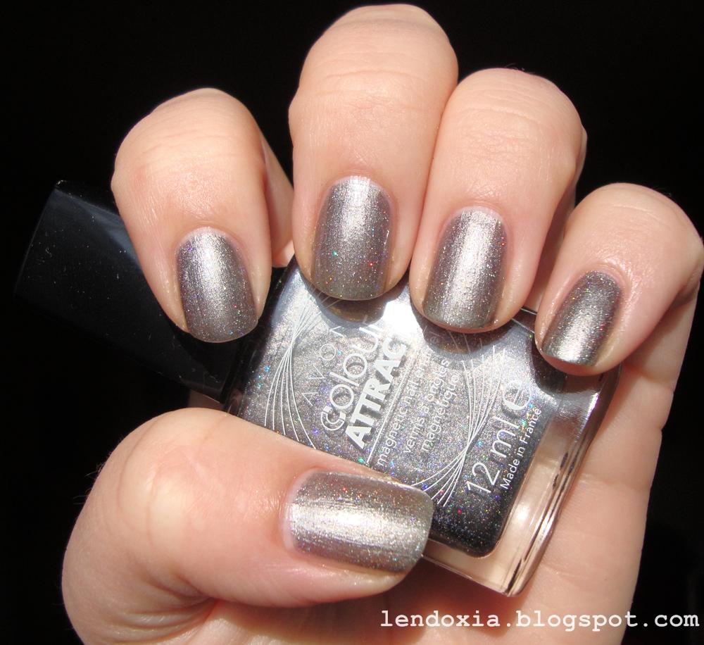 avon sivi metalic lak za nokte