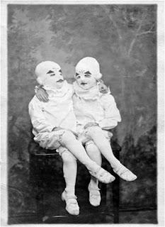 Foto ilustrativa do livro O orfanato da Srta. Peregrine para crianças peculiares