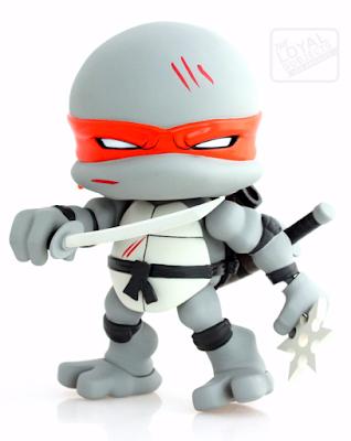 """Teenage Mutant Ninja Turtles """"Battle Damaged"""" Leonardo Jumbo Vinyl Figure by The Loyal Subjects"""