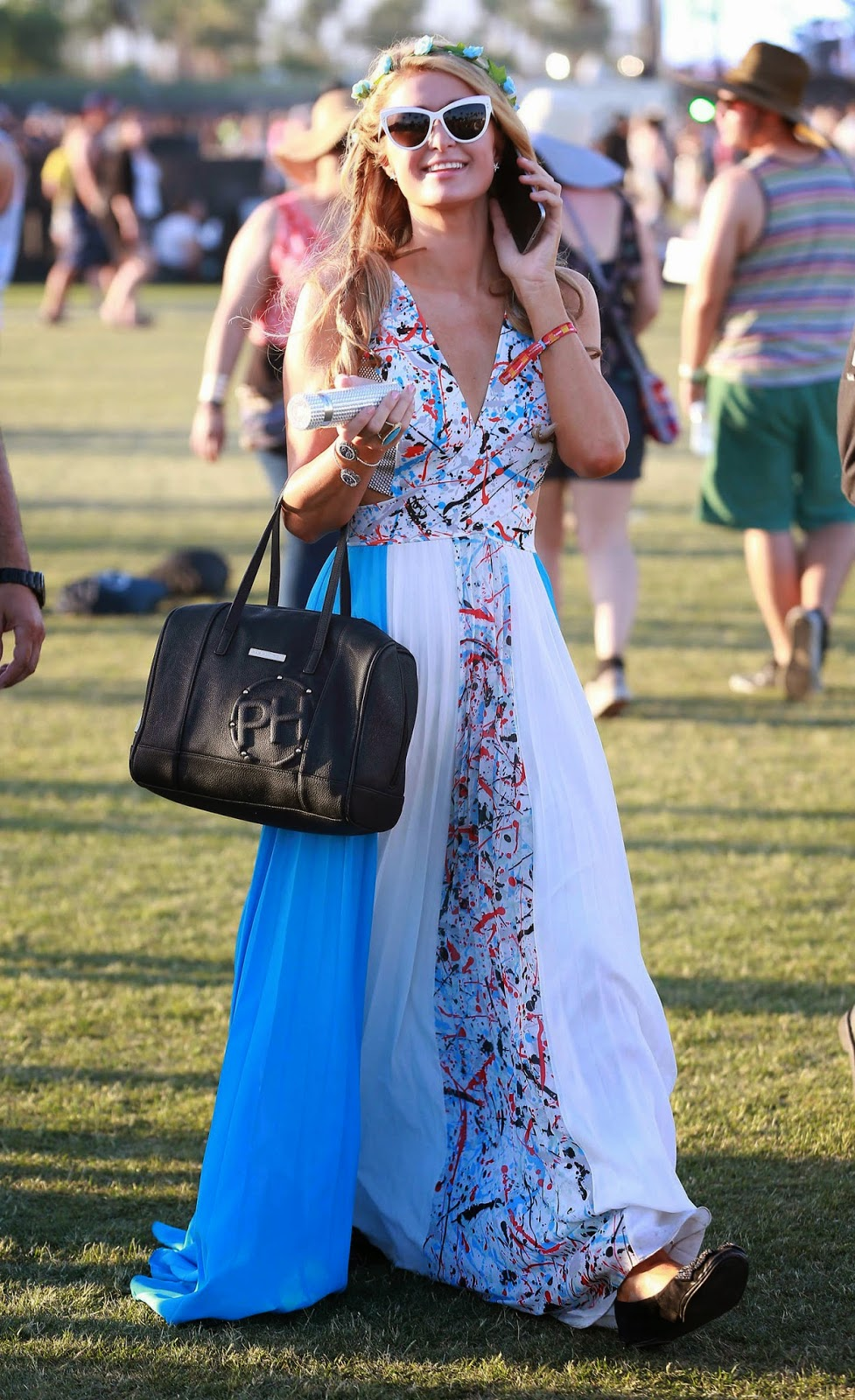 Paris Hilton – Coachella Valley Music and Arts Festival Day 3 in Indio