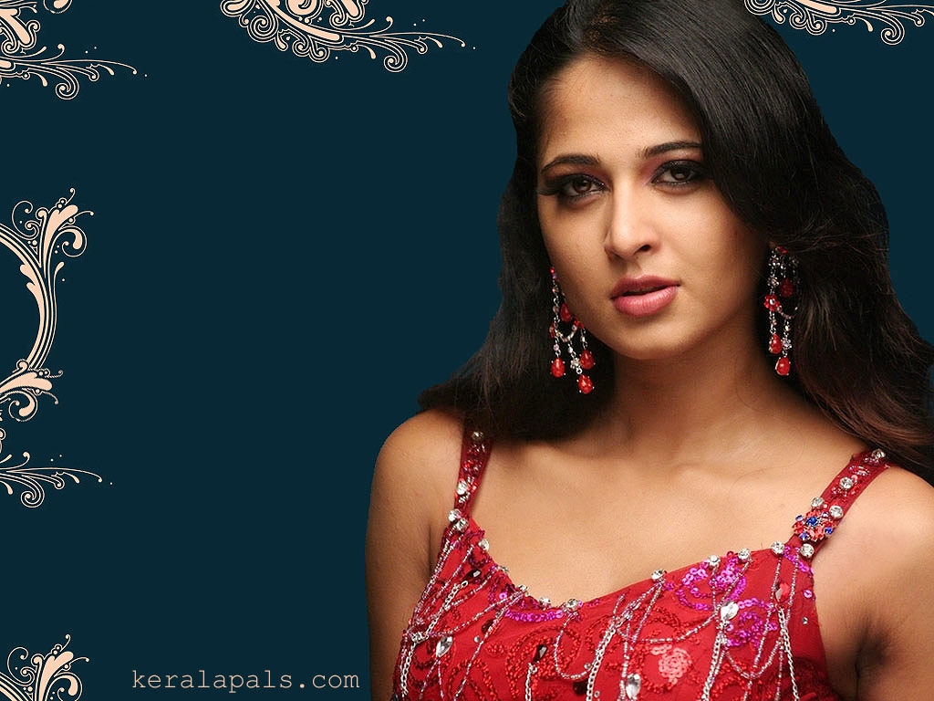 Hot South Actress Wallpaper