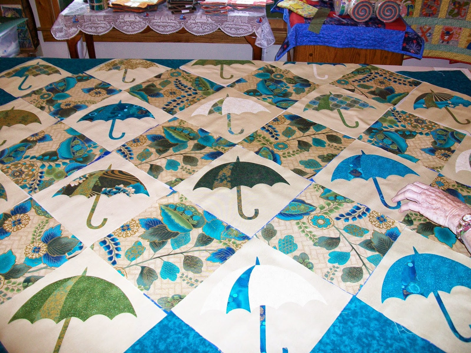 News From the Quilting Frame: Happenings down at the Quilting Frame
