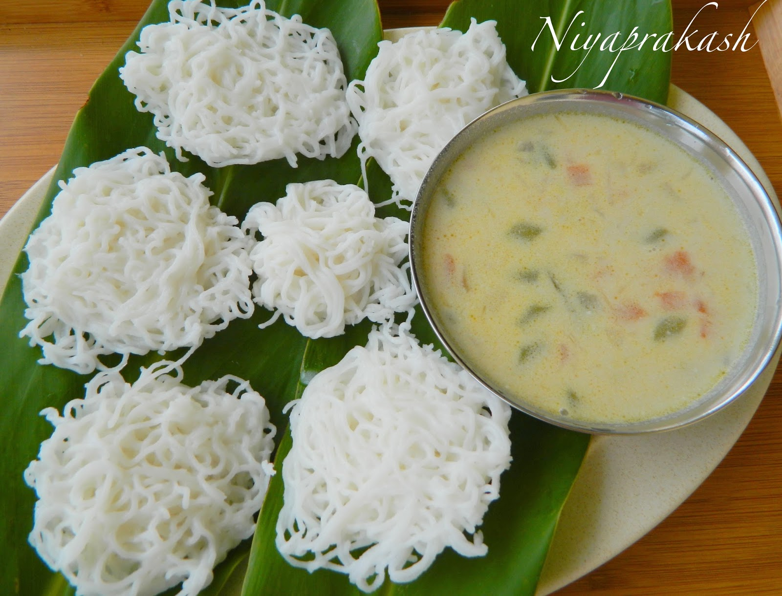 Niya's World: Idiyappam with Vegetable Stew