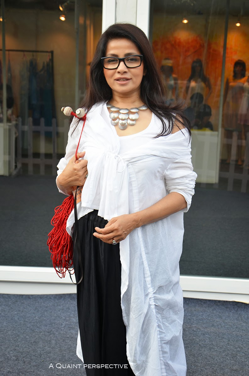http://aquaintperspective.blogspot.in/ Sangita Sinh Kathiwada in the Regal Bohmian Look