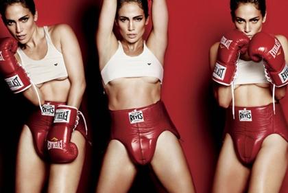 Jennifer Lopez fait de la boxe pour V Magazine
