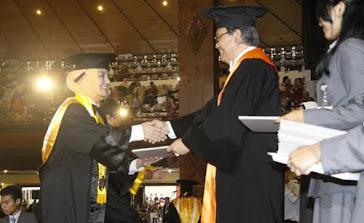 Wisuda MBA dari FEB UGM, Marissa Haque Ikang Fawzi