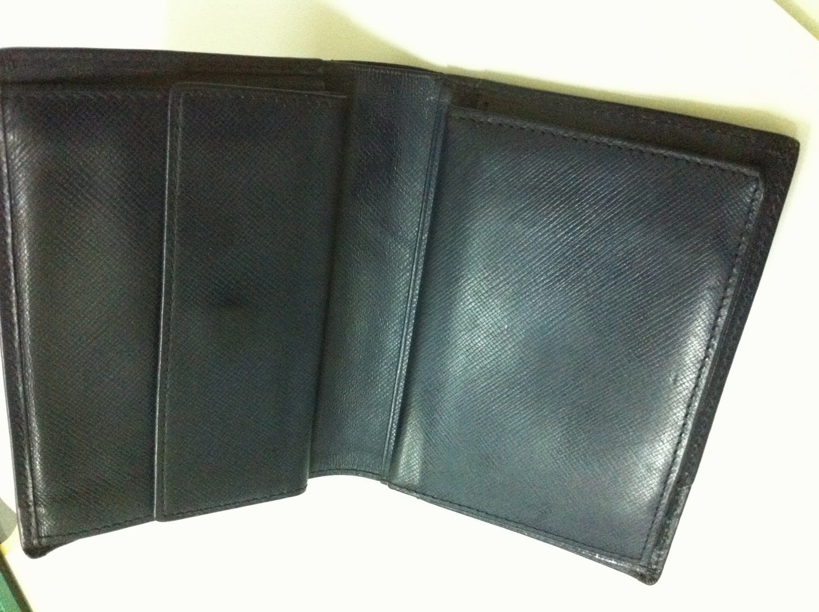 dybundle collection  authentic louis fontaine leather wallet  sold