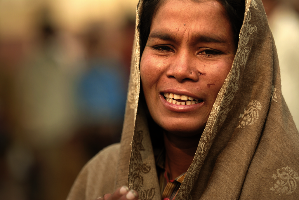 This is a poverty photo of a woman photographed in Delhi, India.
