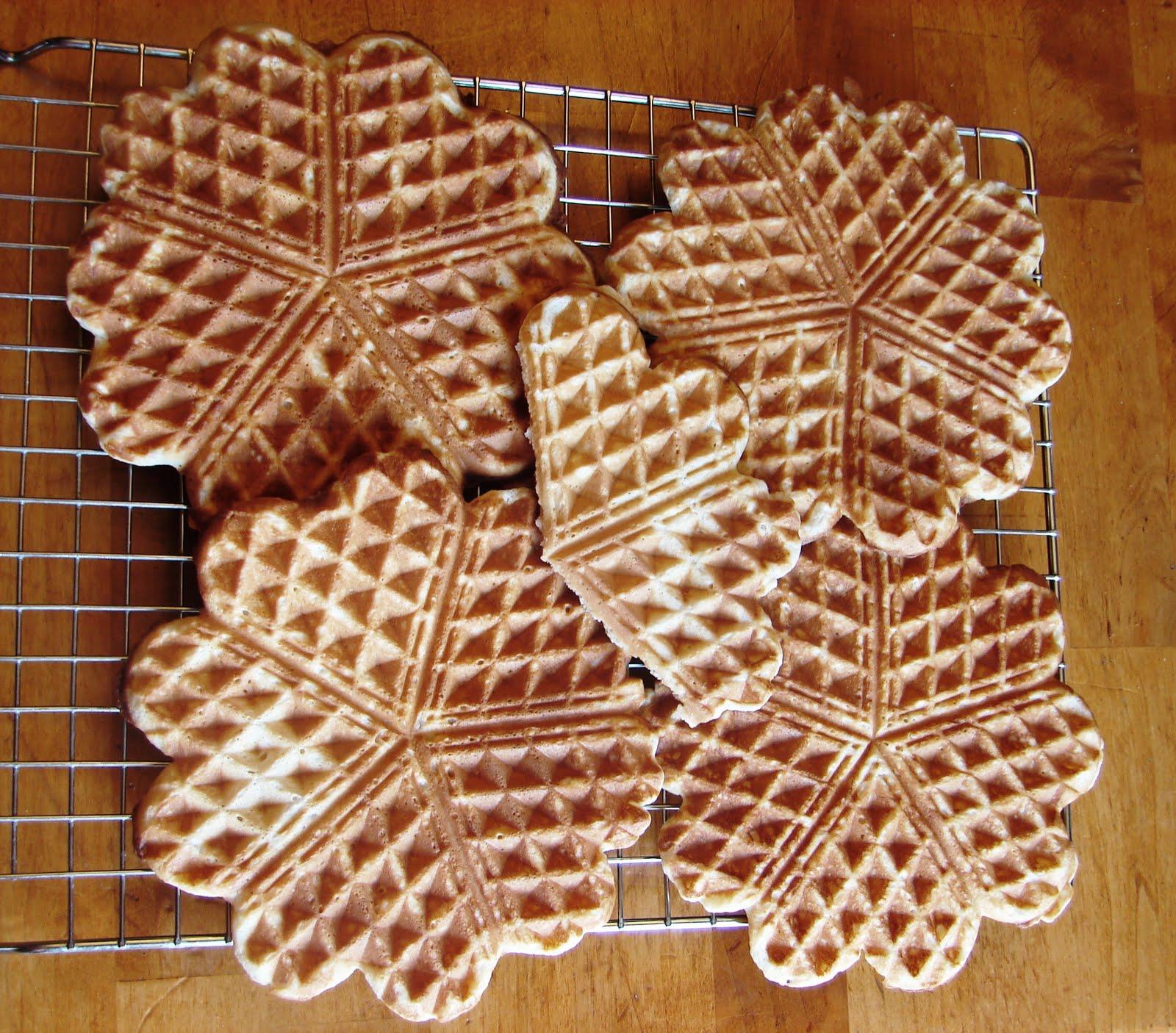 Nummy Kitchen: Norwegian Waffles
