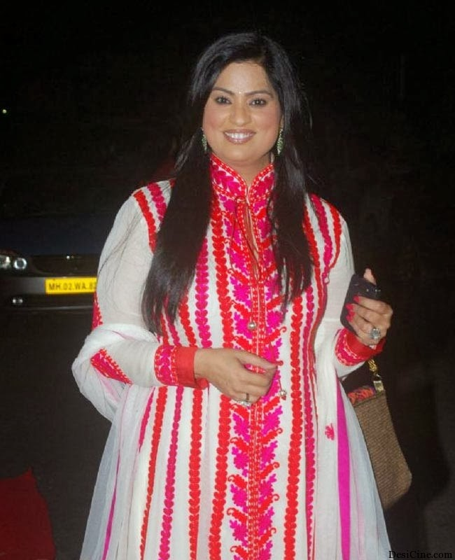 20+Hot+Female+Singers+Of+Bollywood011