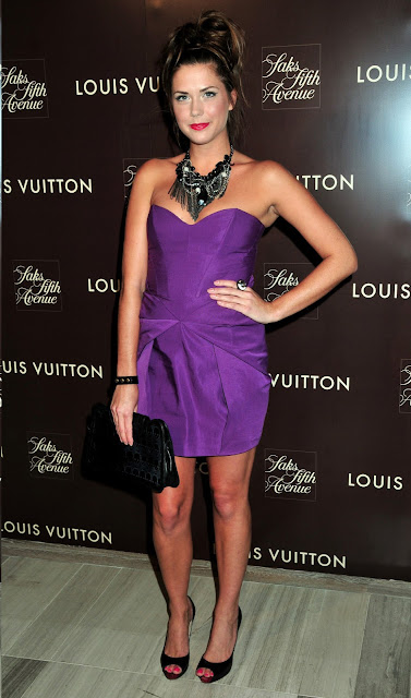 Erin Lucas, Erin Lucas cocktail dress, Erin Lucas statement necklace, Hollywood celebrity statement necklace