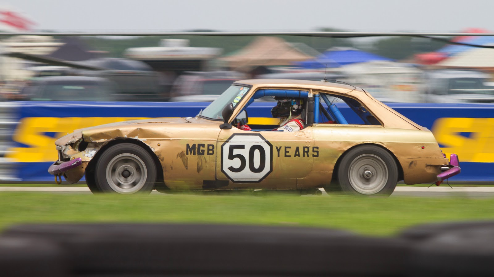 Gormless Racing - MGB GT