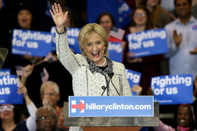 HILLARY CLINTON WINS SOUTH CAROLINA WITH BLACK VOTES.