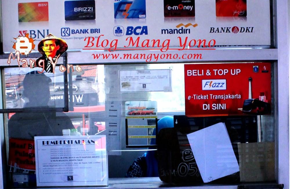 Halte Transjakarta Pulogadung 1 harus pakai e-tiket dan tidak menjual karcis.