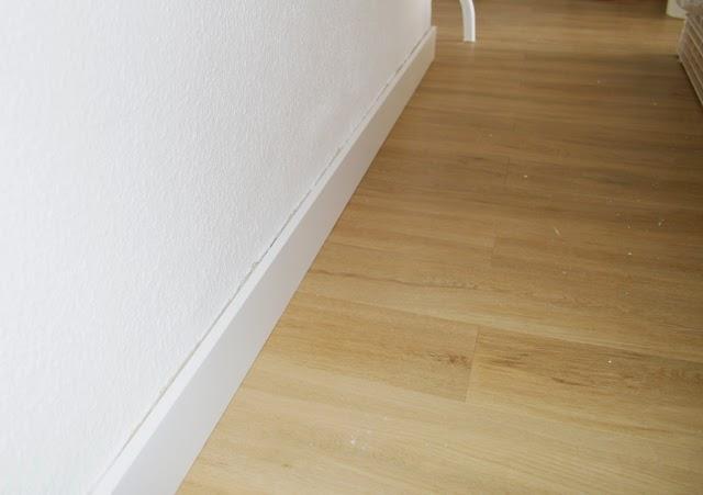 Diy el cambio del suelo de mi casa con las laminas de for Reparador tarima leroy merlin