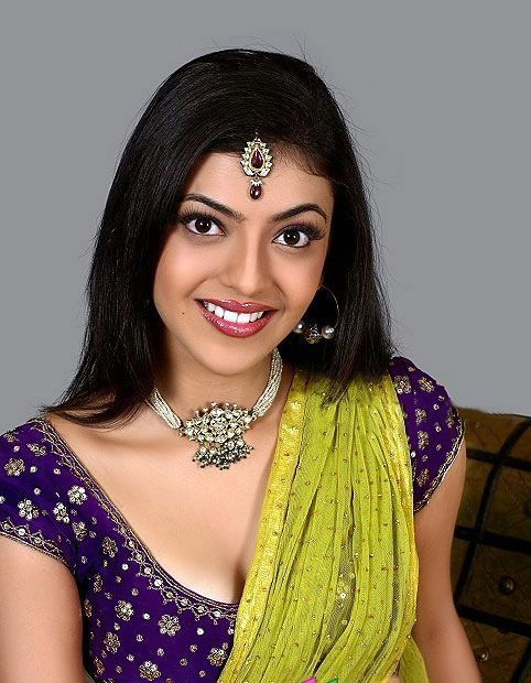 KAJAL AGARWAL SPICY STILLS hot photos