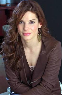 ازياء الممثلة ساندرا بولوك Sandra