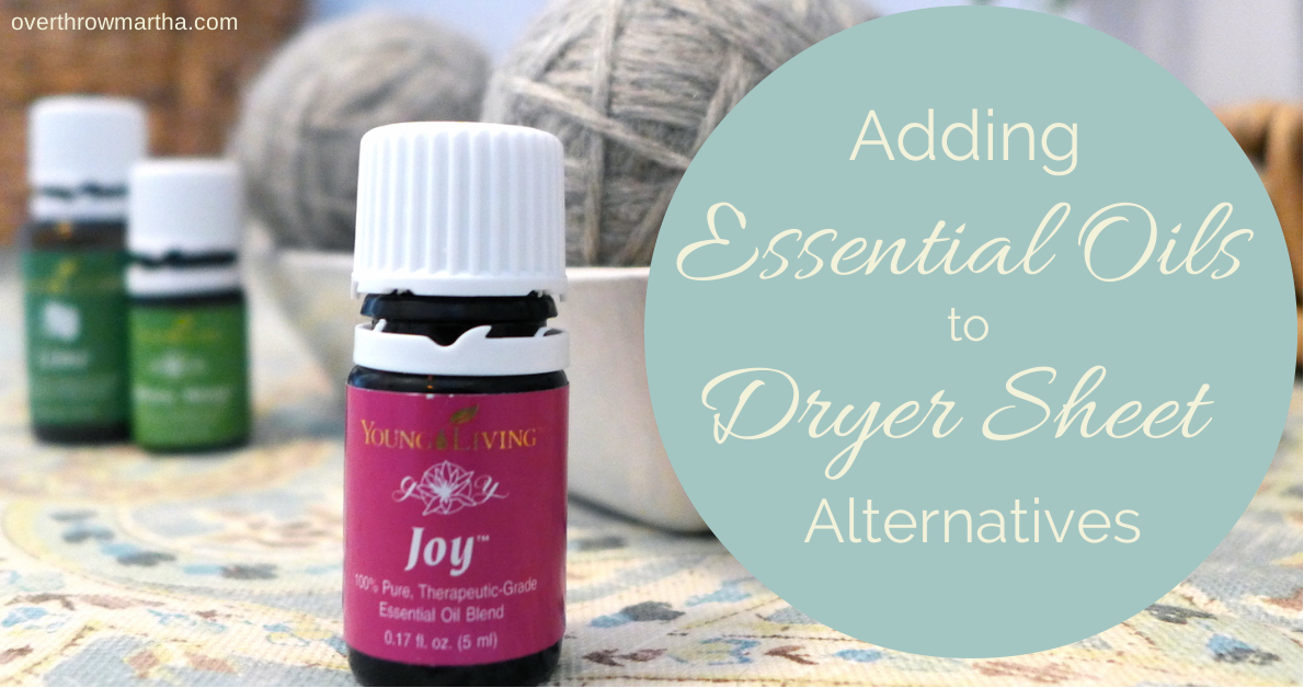 Adding scent to DIY dryer sheet alternatives is really easy and it smells soooo good! #laundry #DIY