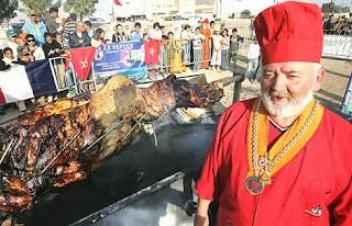 Unta Sumbak - Hidangan Terbesar Di Dunia