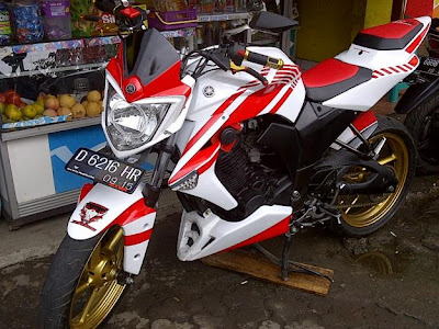 Striping Cutting stiker yamaha byson