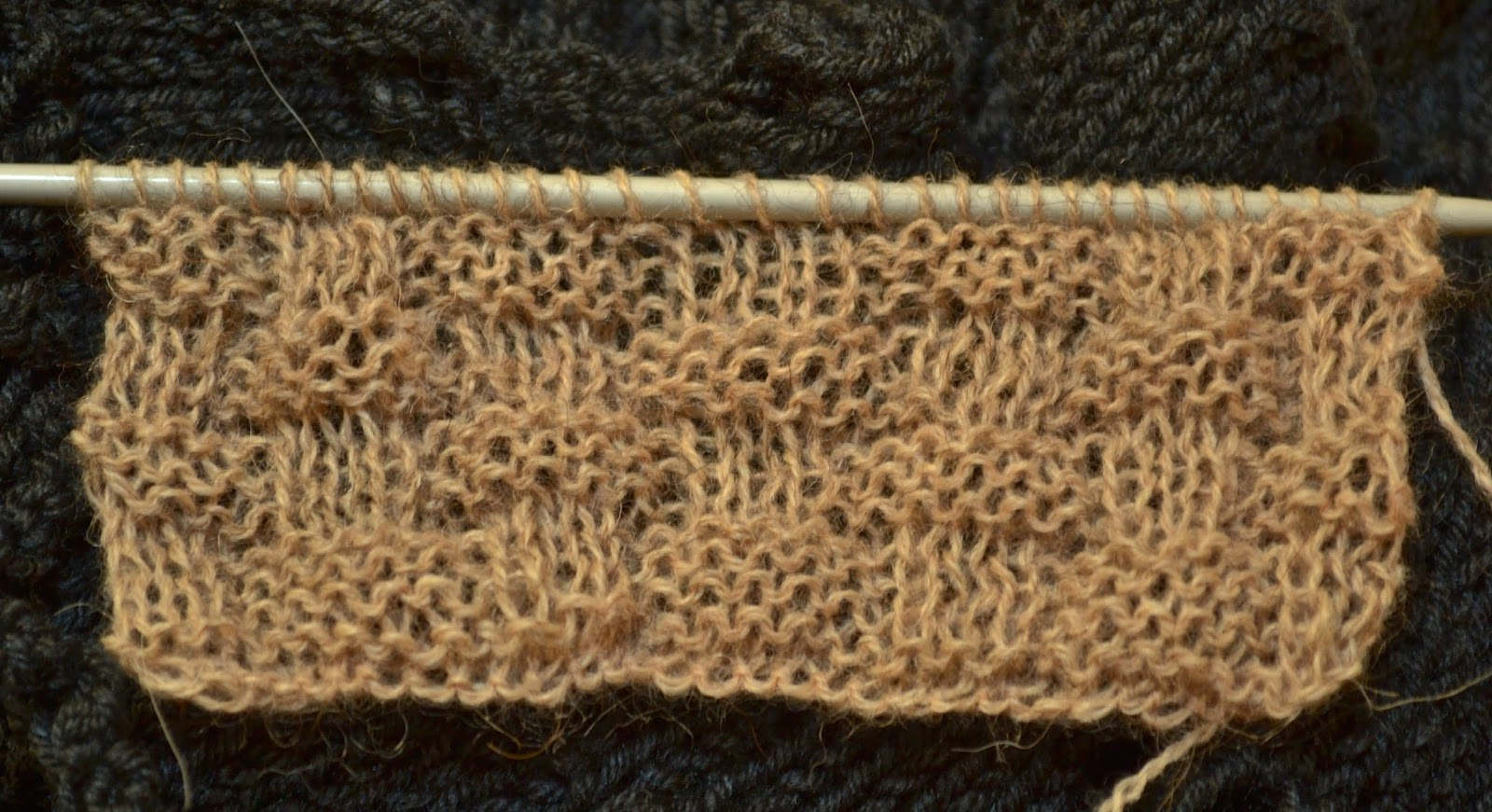 How To Do A Basket Weave Knit : Knitting novice the weekly swatch basket weave stitch