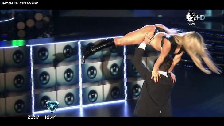 Sofia Macaggi culo en Tanga en Bailando 2012 HD 720p damageinc-videos
