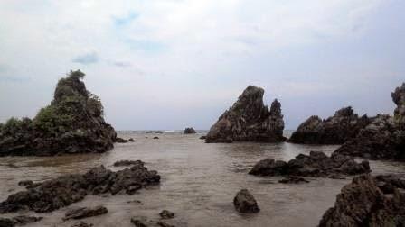 Pantai Karang Yang Eksotis di Lebak Banten