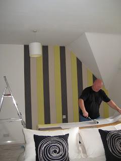 Tips Memasang Wallpaper Dinding