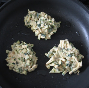 Zucchini-chickpea pancakes