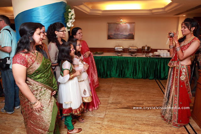candid wedding photography cochin kerala