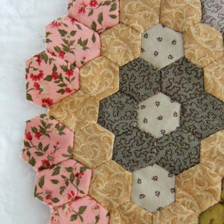 Large hexagon diamond for Minnie quilt