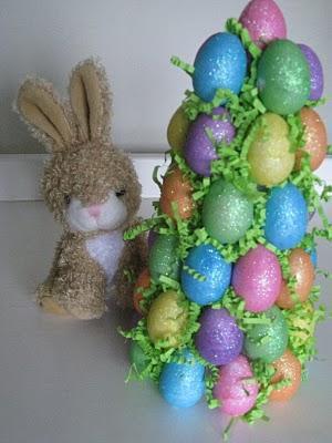 Topiario o arbol de huevos para Pascua