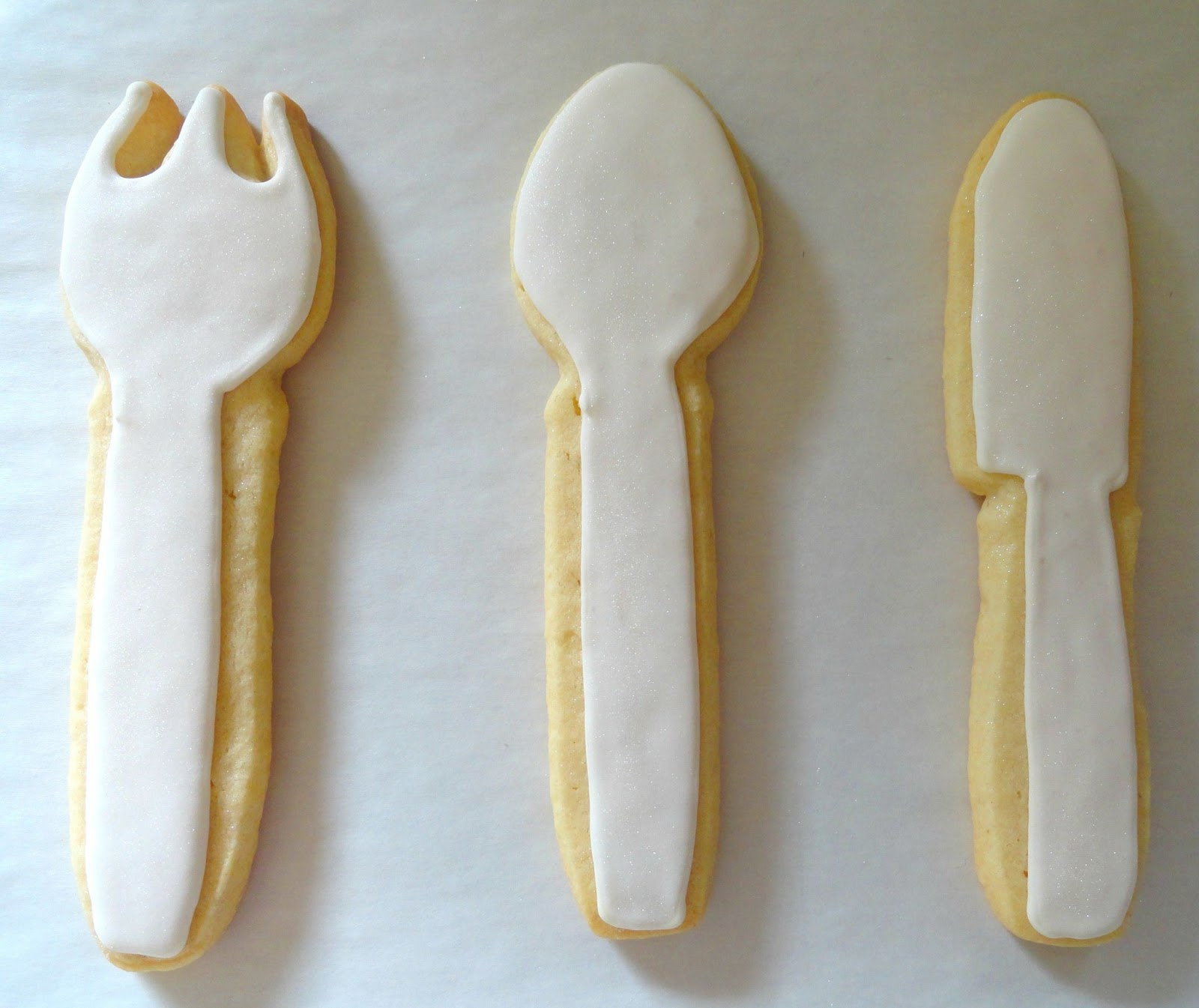 Pink Little Cake: Serving Fork, Spoon and Knife Set- Decorated Cookies