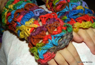 Swirls and Sprinkles: Free crochet broomstick lace fingerless gloves pattern