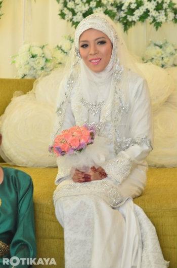 22 Gambar Perkahwinan Izzue Islam Dan Awin Nurin