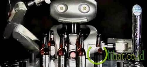 Robot Robo-Barmaid ( Menggantikan Tugas Bartender )