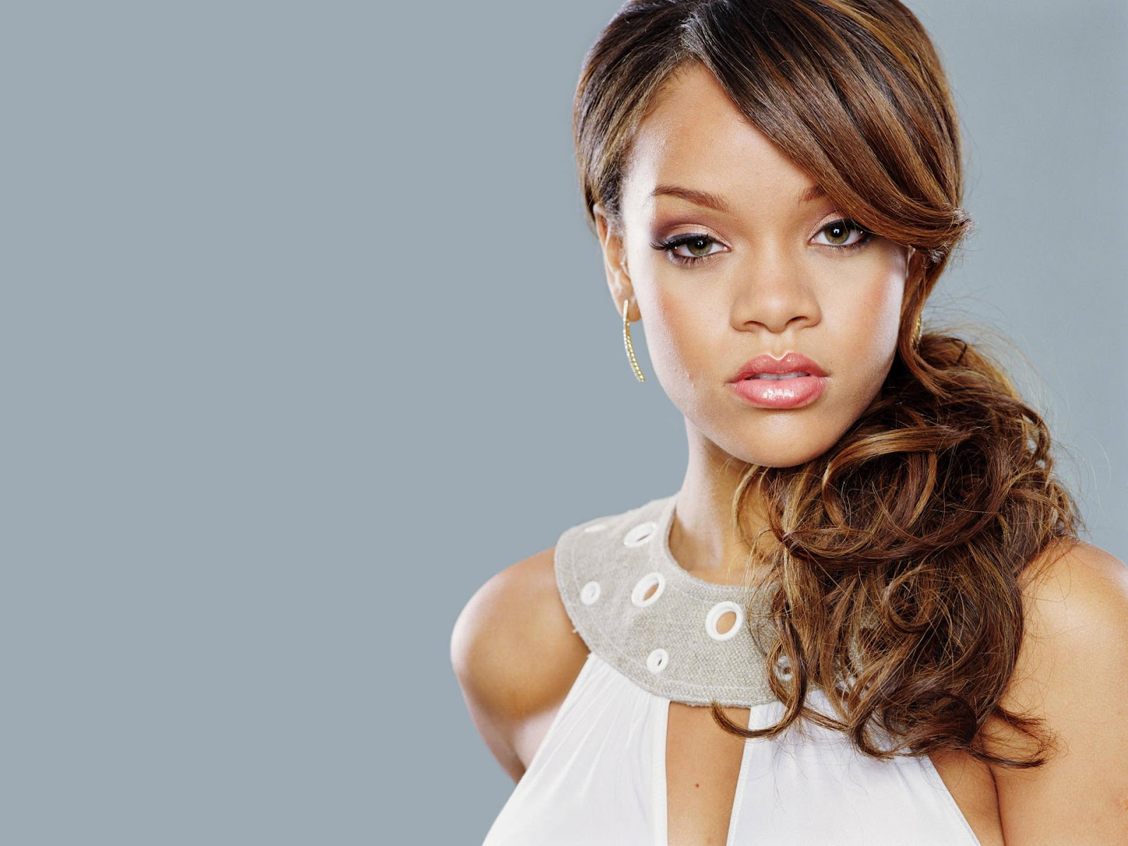 Rihannas Hair Styles: Rihanna Photos & Pictures: Rihanna Wallpapers #2