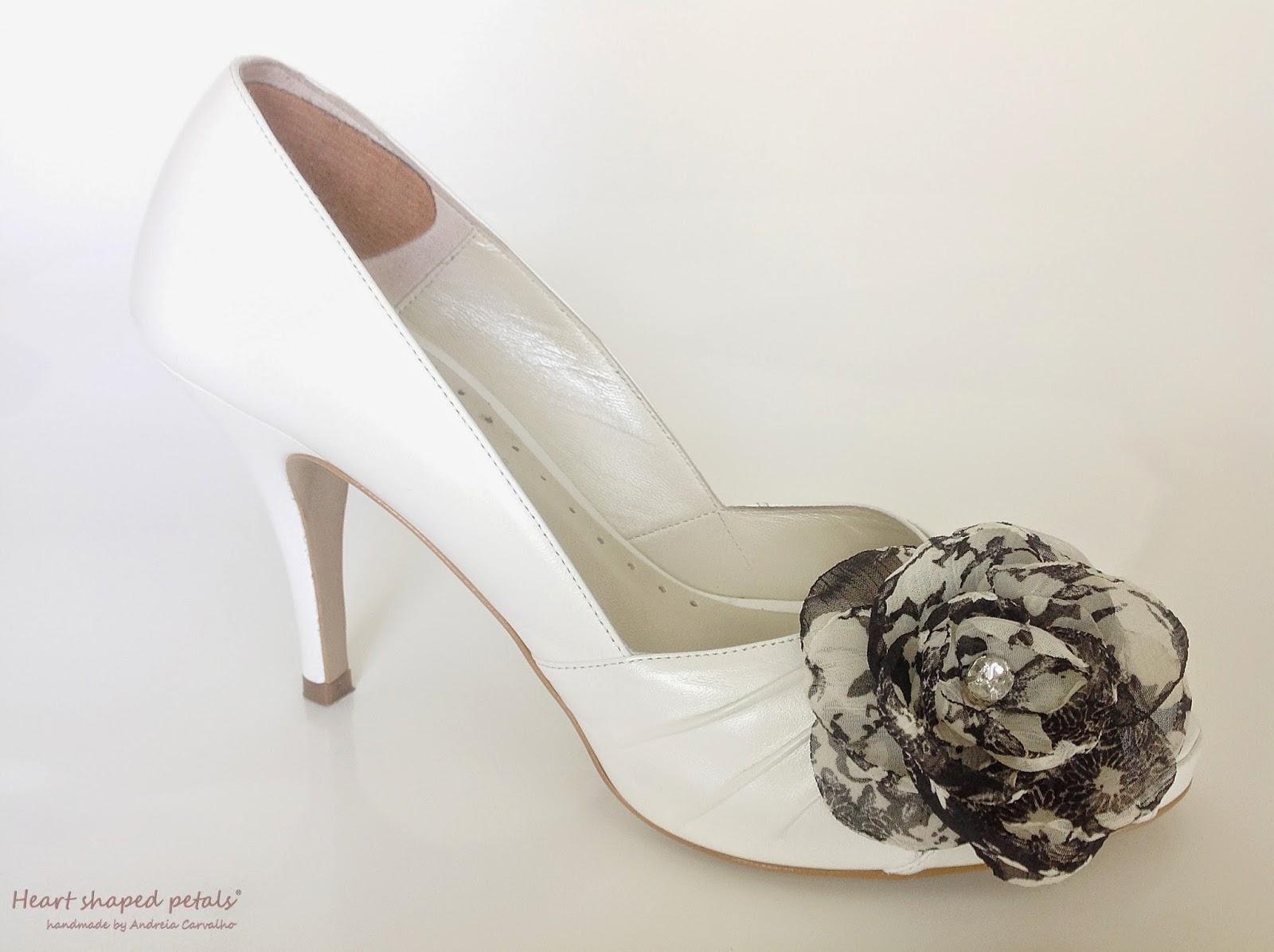Flower clip shoes for brides