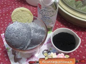 http://www.ricettegustose.it/gelati/gelato-cocco-e-carbone-vegetale.php