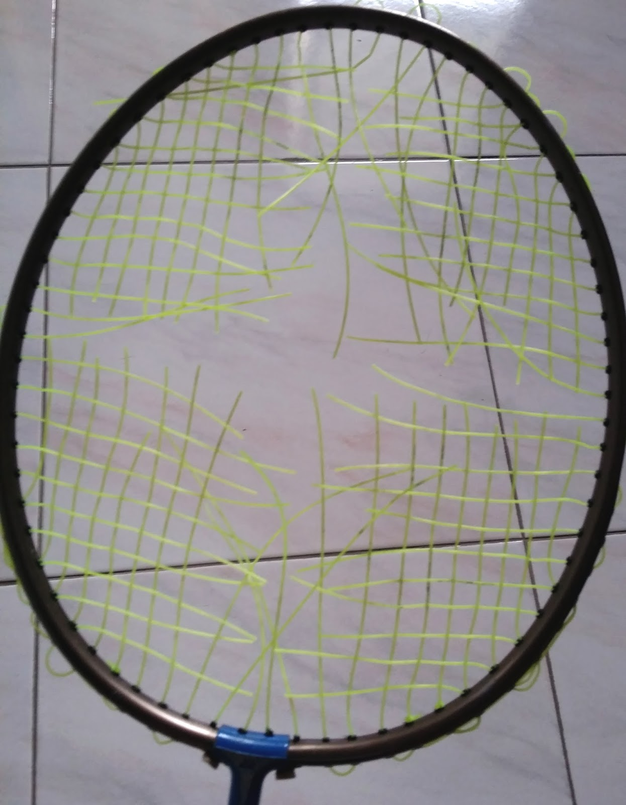 how to choose string tension badminton
