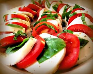 Ensalada italiana con queso