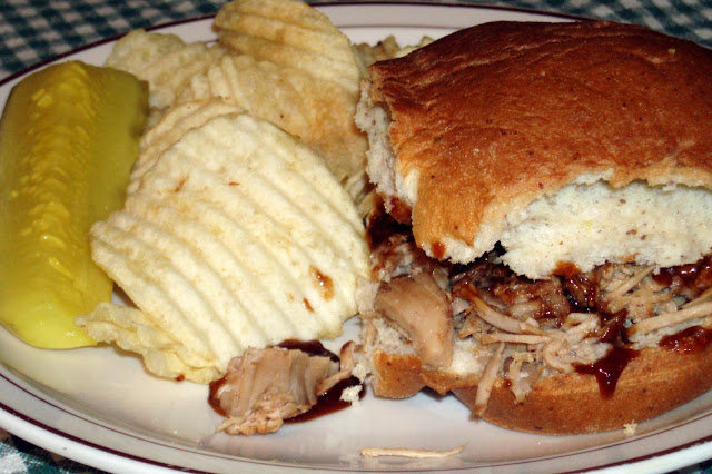 RuralMom.com: Rural Mom's Wicked-Good Beer and Barbecue Pulled Pork #Recipe