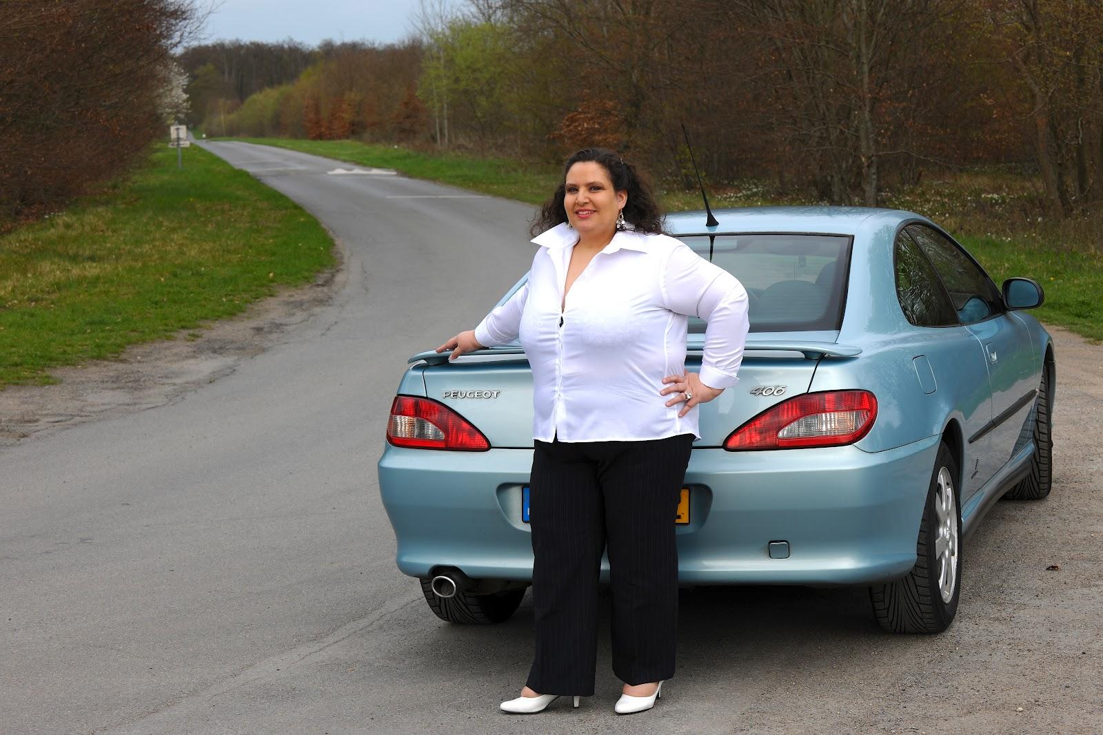 petite voiture pour femme quelle serait la voiture id ale d une femme de l 39 essence dans mes. Black Bedroom Furniture Sets. Home Design Ideas