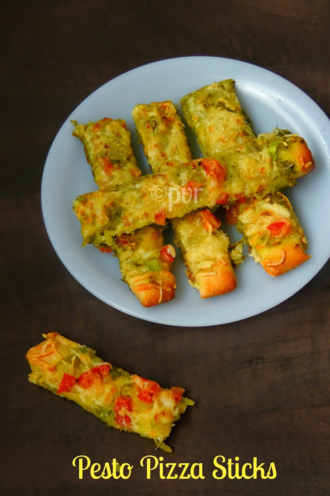 Coriander pesto pizza sticks, pesto pizza sticks